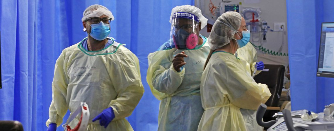 US tops 1000 coronavirus deaths 4 days in a row as experts urge the country to shut down